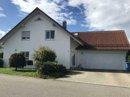Schönes, geräumiges Haus mit sieben Zimmern in Biberach (Kreis), Warthausen