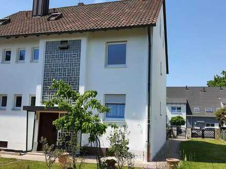 Erstbezug nach Sanierung: stilvolle 4-Zimmer-Wohnung mit Balkon in Eibach