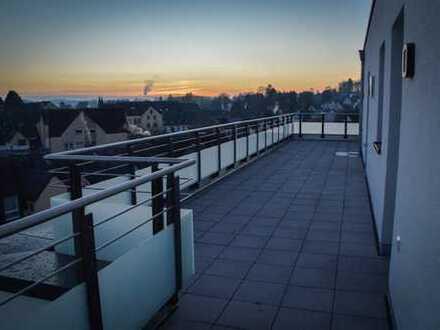 Erstbezug: Schickes 152m² Penthouse inkl. großer Dachterrasse mit Blick über Hillesheim
