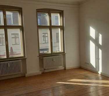 2-Zimmer-Studentenwohnung am Brandenburger Tor