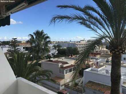 Komplett renovierte Einsteigerwohnung mit sonnigen Balkon in Cala Millor