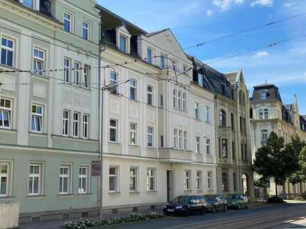 PROVISIONSFREI: Günstige, helle 3-Zimmer-Dachgeschosswohnung zum Kauf in Plauen