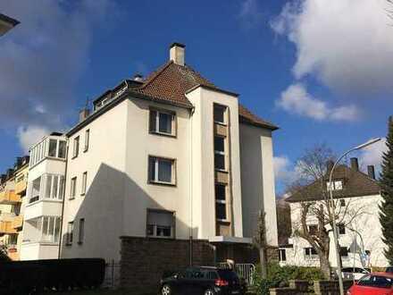 Traumhafte Dachgeschoss-Wohnung mit Fernblick in der Gartenstadt