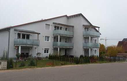 Neuwertige 3-Zimmer-Wohnung mit Balkon und Einbauküche in Schwandorf (Kreis)