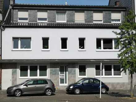 top renovierte Wohnung mit grünem Ausblick