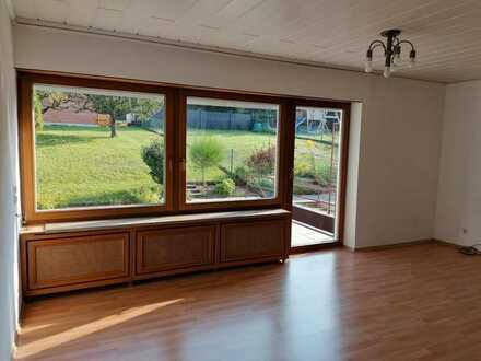 Freundliche und gepflegte 4-Zimmer-Doppelhaushälfte zur Miete in Ispringen