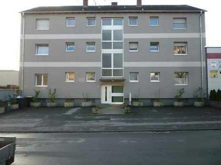 stadtnahe Mehrfamilienhaus-Wohnung 75 qm mit Balkon + Mansadenzimmer 20 qm möglich