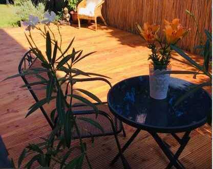 Traumhaft schöne 3 Zi.-Gartenwohnung in absolut ruhiger, idyllischer Lage !