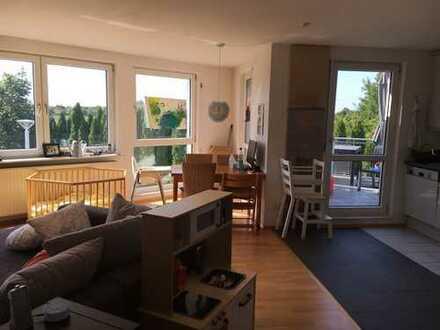 Lichtdurchflutete moderne 3-Zi-Wohnung mit Balkon und Einbauküche in Ludwigshafen am Rhein - Oppau