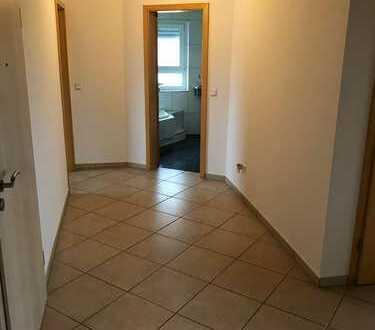 Gepflegte 4-Zimmer-Dachgeschosswohnung mit Balkon und EBK in Weiher