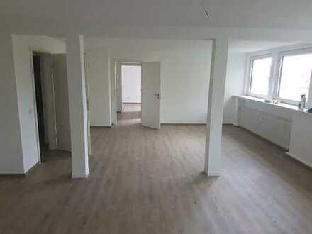 Erstbezug nach Sanierung: schöne 4-Zimmer-Wohnung am Kurpark