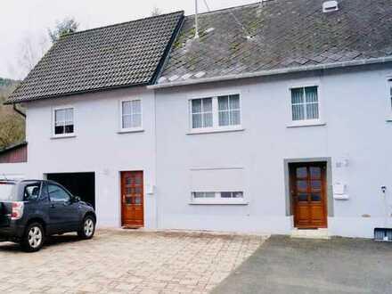 Zwei Häuser ein Preis! Gepflegtes Zweifamilienhaus mit Garten