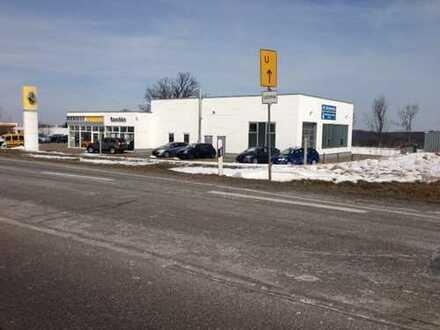Ehemaliges Autohaus in Penig Top Lage zu vermieten