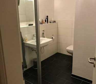 """156 qm Loftwohnung in Kornwestheim - Möbiliertes Zimmer mit eigenem Bad """"en suite"""" in exklusiv ausge"""