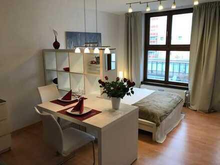 Möbliertes, ruhiges Apartment an der U-Bahnlinie U2, Frankfurter Ring Nähe BMW