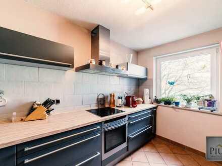 TOP-Lage in Haunstetten-Süd! Warum Miete bezahlen? Schöne 3-Zimmer- Wohnung mit Wintergarten + TG