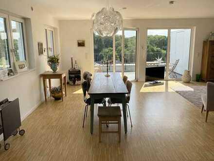 Moderne Penthouse-Wohnung mit Weitblick im Rumbachtal, Mülheim