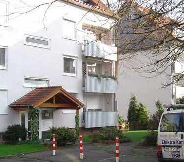 Preiswerte, vollständig renovierte 3-Zimmer-Wohnung mit Balkon und Einbauküche in Mönchengladbach