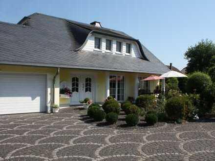 Trier - Auf der Grafschaft Bestlage Wohnhaus im Landhaus-Stil mit 2 ELW