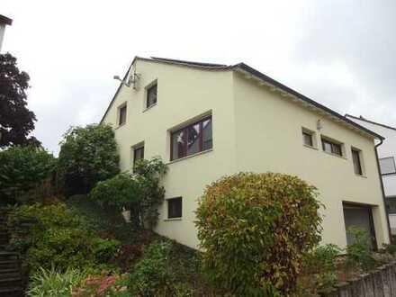 Großzügiges EFH mit Garten in ruhiger Lage! 242 m² Wohnfläche! 483 m² Grundstück