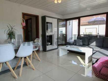 Zentrumsnah und umfassend saniert: Schöne 3-Zimmer-Wohnung mit Balkon und Garagenstellplatz