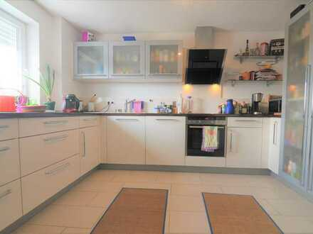 Sonnige und familienfreundliche 4 Zimmer Maisonettewohnung mit XL-Dachstu