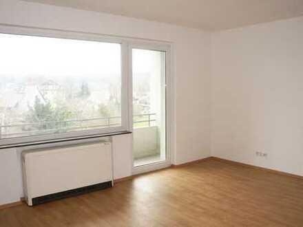 Schöne Familienwohnung mit Balkon - voll renoviert!