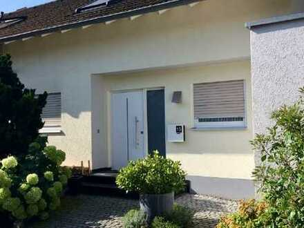 Schönes 5-Zimmer-Reihenendhaus mit EBK in Bruchsal, Untergrombach
