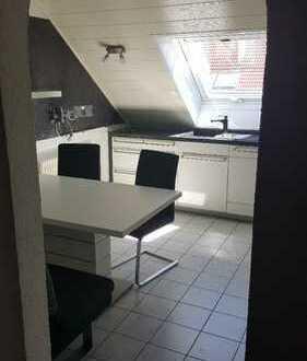 Schöne drei Zimmer Wohnung; kein Makler; Einbauküche und Tiefgaragenstellplatz inkl.