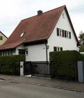 Schönes Haus mit fünf Zimmern in Augsburg, Hochzoll 5 min. zum Kuhsee