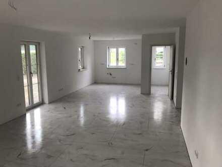 880 €, 80 m², 2 Zimmer