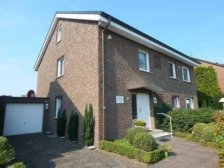 Umfangreich renoviertes & modernisiertes Haus mit 2 sep. Wohneinheiten, Vollkeller, Garage & Carport
