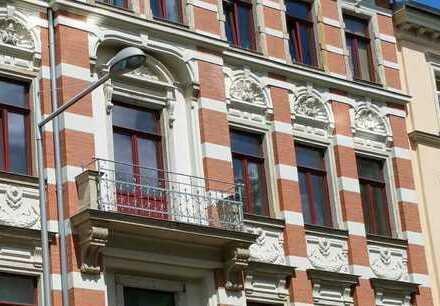 Gemütliche 2-Whg., WG-geeignet, Balkon, EBK, san. Altbau, in stilvoller Wohnlage DD Plauen