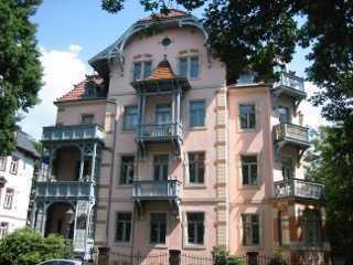 Arbeiten, wo es am Schönsten ist - traumhaftes Wohnbüro (3R.+Diele) in Jugendstilvilla in Striesen