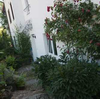 Gepflegte 2,5-Zimmer-Wohnung mit Balkon und schöner Wohnküche