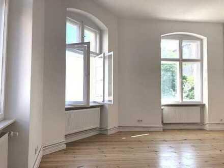 Sanierte Familienidylle in ruhiger Lage 3-Zimmer-Wohnung mit Balkon in Berlin (Moabit)