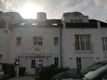 Schöne 2 Zimmer Wohnung in Rottenburg, EBK möglich,