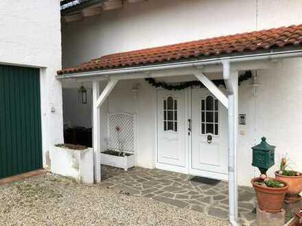 Günstige 6-Zimmer-Wohnung mit Balkon in Wallersdorf