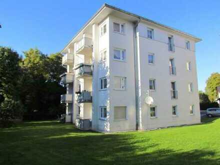 Neu renovierte 2-Raum Wohnung im EG mit Balkon zu vermieten!