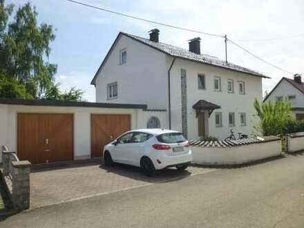 """In schöner Ortsrandlage"" – bestens gelegenes 2-3 Familienhaus in 87748 Fellheim"
