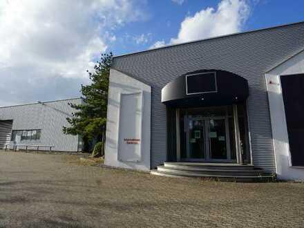 Lager-/Produktionshalle mit Ausstellungs-/Büroflächen in Enger zu verkaufen/vermieten