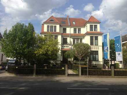 Vollständig renovierte 2,5 Raum-Wohnung mit Einbauküche in Bremen