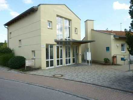 Nur für Senioren: Gessertshausen, 2 ZKB,Terrasse, Parkanlage