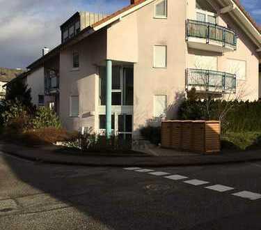 Modernisierte 3-Zimmer-Wohnung mit Terrasse und Einbauküche in Waldbronn