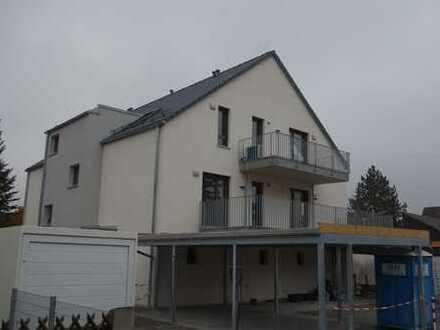 Helle und exkl. ausgestattete 2-Zi-Wohnung mit moderner, hochwertiger Küche und großzügigen Balkon