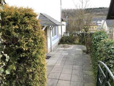 Gepflegte 4-Zimmer-Erdgeschosswohnung mit 2 Terassen in Rudersdorf