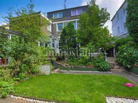 2-FAMILIENHAUS + ANGEBAUTEM BUNGALOW mit Pool, Sauna, Garten & Garage zu verkaufen!