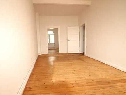 3 Zimmer-Wohnung mit Altbaucharme