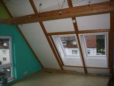 Ansprechende 2-Zimmer-DG-Wohnung in Hanau