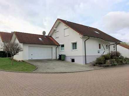 Haus ( EG ) mit großem Garten